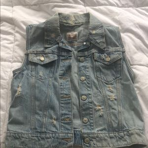 Levi's Women's Distressed Jean Vest